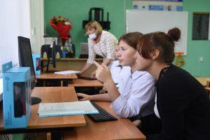 Вячеслав Берзин проверил ход подключения социально значимых учреждений региона к интернету