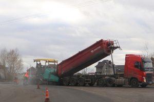 В пригороде Курска продолжается ремонт дороги в рамках нацпроекта