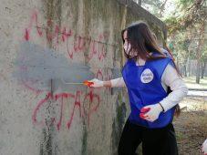 В Курске за год закрасили более 2 тысяч надписей с наркорекламой