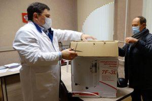 Курчатовский фермер подарил районной больнице кислородный концентратор