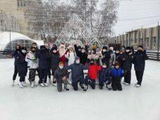 В Курске полицейские пригласили подростков на каток