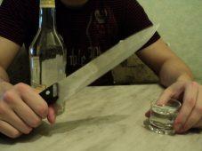 Пьяный курянин зарезал знакомого в ходе конфликта