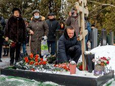 Роман Старовойт поздравил курян с годовщиной освобождения Курска