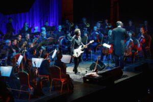 Артисты Курской филармонии показали «Симфоническое «Кино»