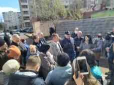 Губернатор Роман Старовойт встретился с дольщиками в Железногорске
