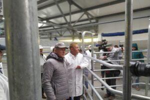 В Дмитриевском районе продолжается строительство животноводческого комплекса