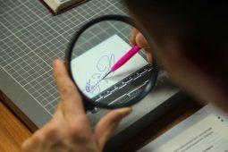 В Курске мужчина через суд доказал, что его подпись подделали