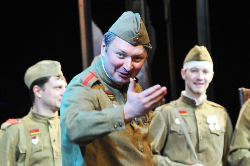 Жизнь и роли Александра Швачунова