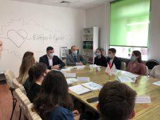 Двести курских волонтеров помогут проголосовать за благоустройство