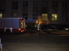 Полиция разыскивает мужчину, который поджег машину в центре Курска