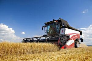 Зерноуборочный комбайн RSM 161: надёжность и производительность