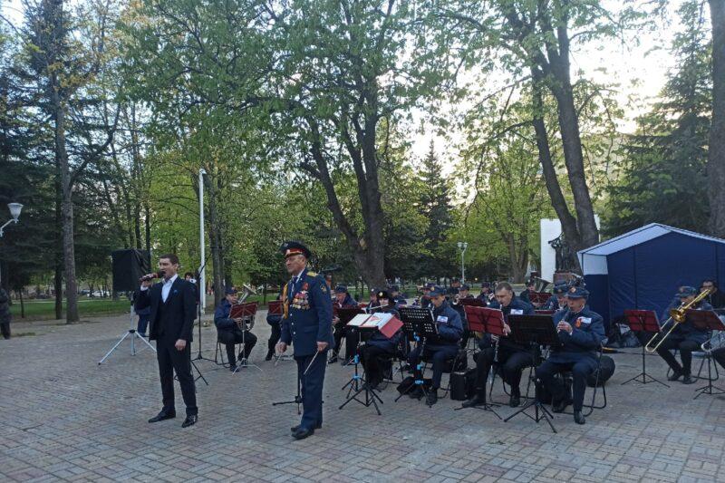В Курске звучали песни Победы