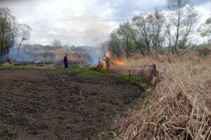 За сутки в Курской области произошло 13 пожаров