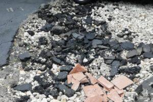 Строительным мусором засыпали ямы