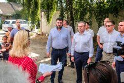 """На благоустройство микрорайона """"Рябинки парк"""" в Курске уйдет около месяца"""