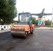 В селе Мантурово Курской области отремонтировали асфальт по гарантии