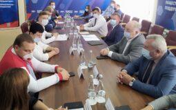 Курские волонтеры предложили губернатору новые инициативы