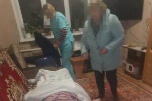 В Обояни Курской области пожарные спасли запертую в квартире пенсионерку