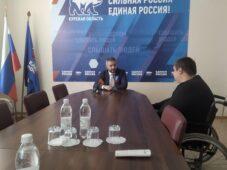 Советник губернатора Иван Солодовников провел прием курян