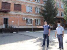 Сотрудник колонии в Курской области передавал телефоны заключенным