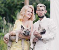 В Курске молодожены на свадьбе собрали 140 кг корма для бездомных собак