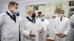 Мишустин поручил устранить неполадки с сотовой связью в Курской области